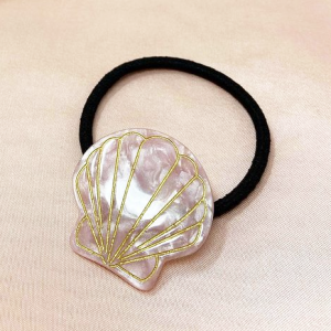 Clam Hairband in Pale Pink